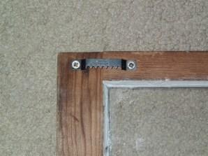 Basis sawtooth hangers